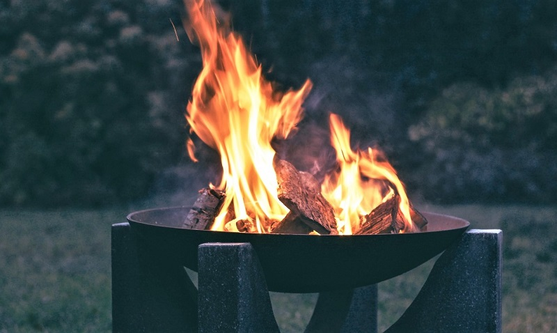 If your portable fire pit is not equipped with a stand, then build a platform of bricks or pavers.