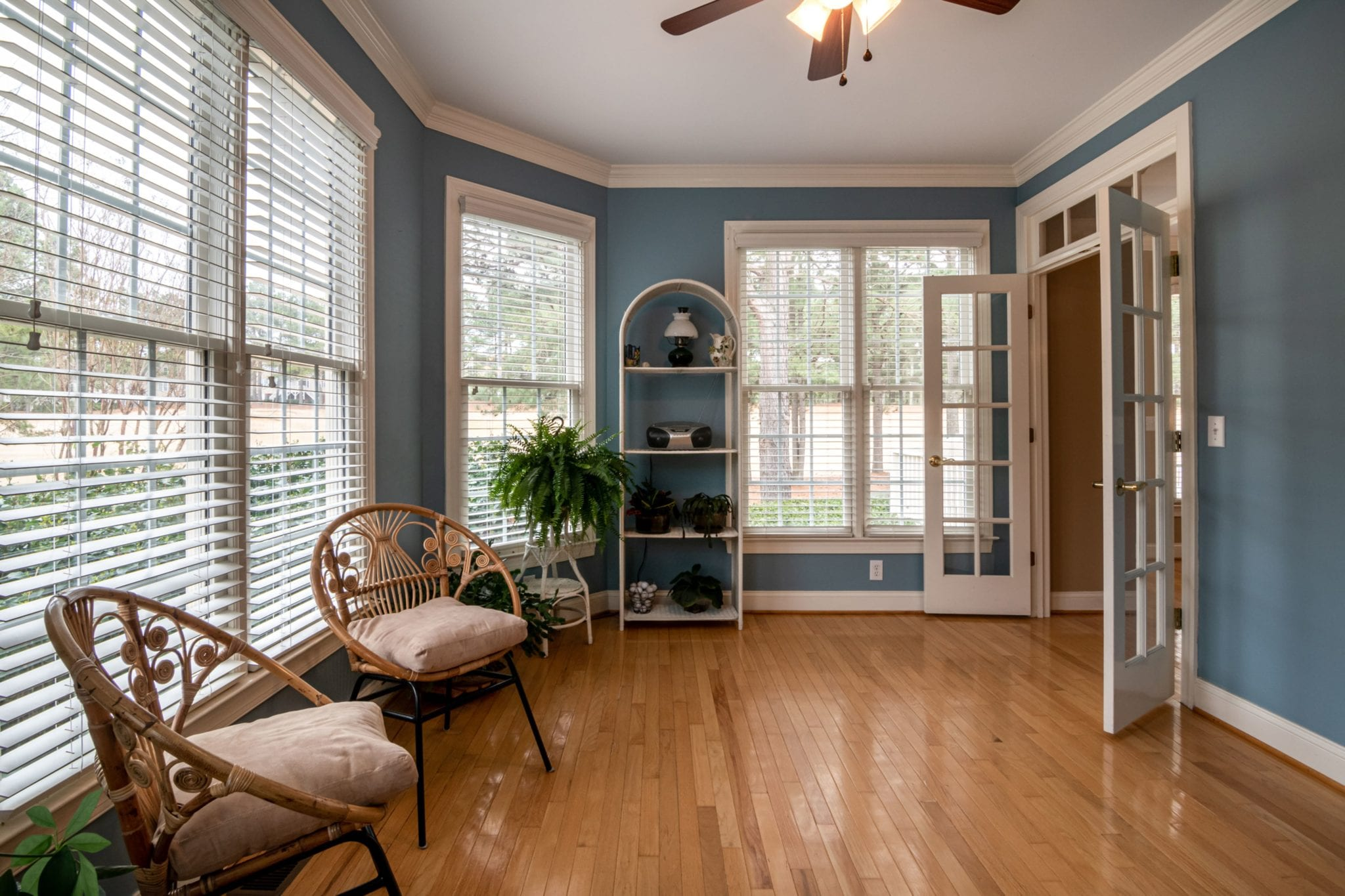 A Complete Guide on How to Refinish Your Hardwood Floor