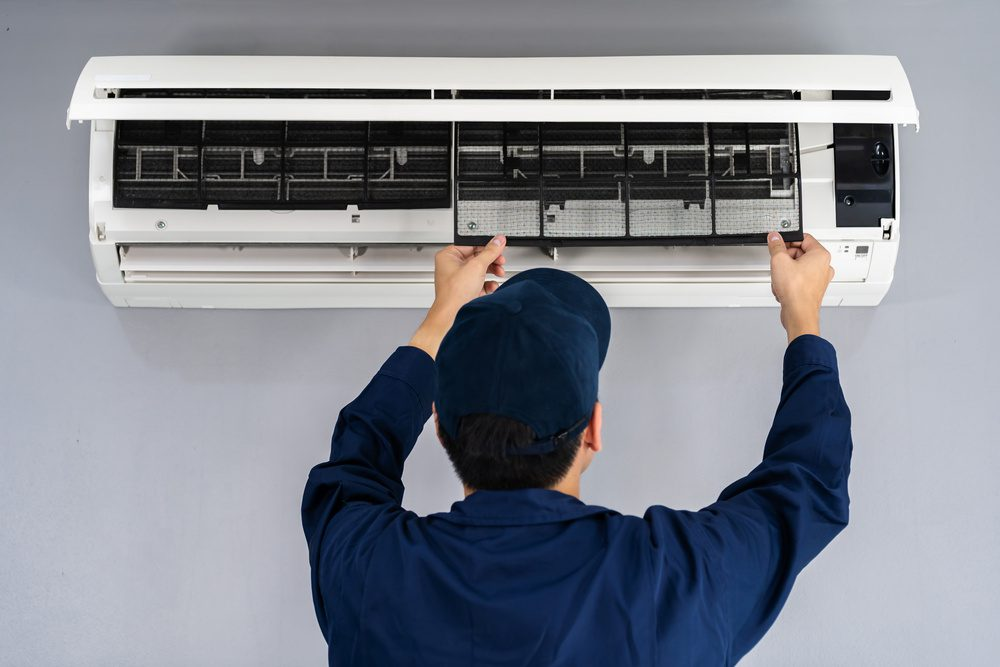 When To Fix And Replace Your Home AC?