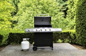 The Safe Way to Connect a Propane Tank to Your Gas Grill